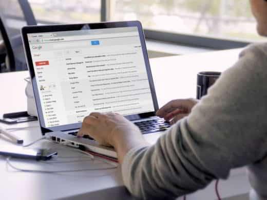 Come impostare una risposta automatica con Gmail