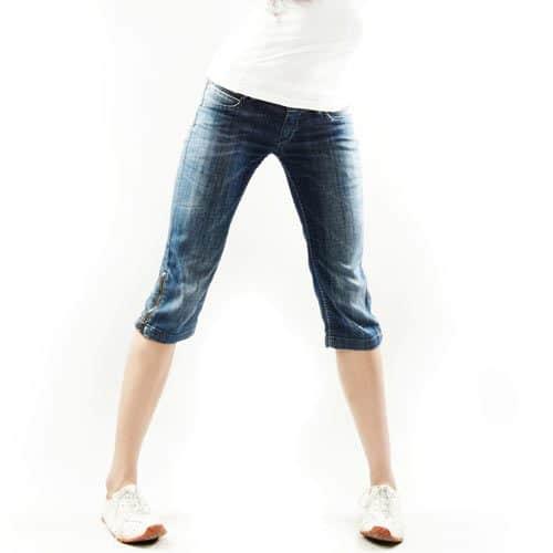 Abbigliamento answer: CAPRI PANTS
