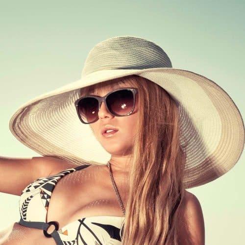 Abbigliamento answer: SUN HAT