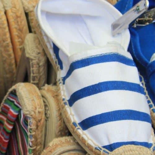Abbigliamento answer: ESPADRILLAS