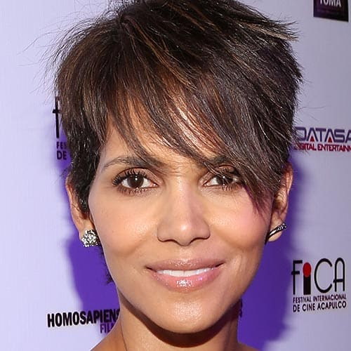 Attrici answer: HALLE BERRY