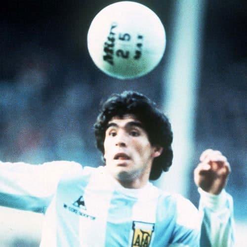 Calcio answer: MARADONA