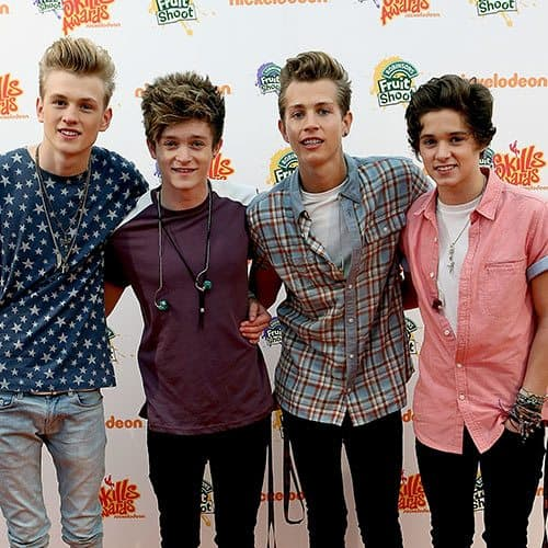 Musicisti answer: THE VAMPS