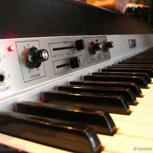 Strumenti answer: PIANO RHODES