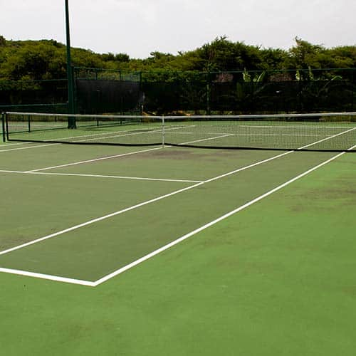Tennis answer: CAMPO IN CEMENTO