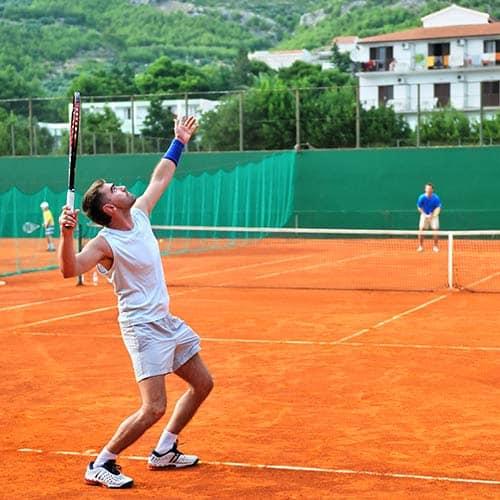 Tennis answer: SERVIZIO