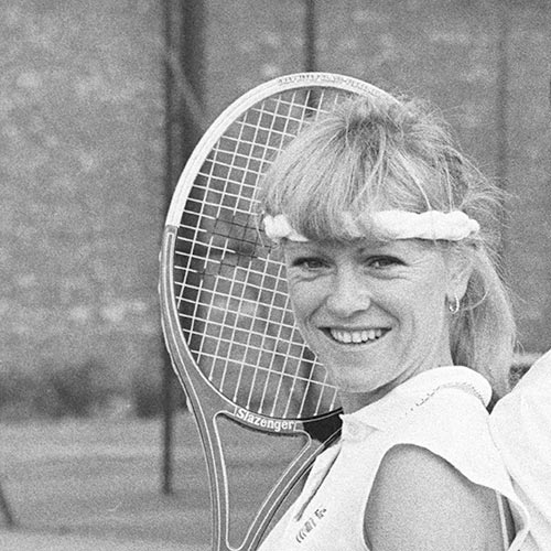 Tennis answer: SUE BARKER