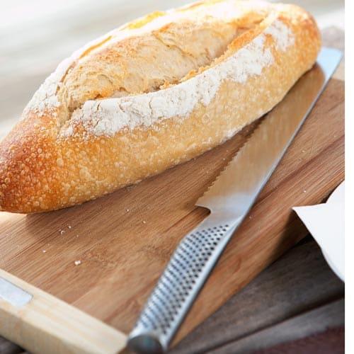 Utensili da cucina answer: COLTELLO DA PANE
