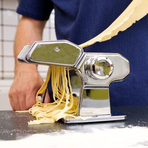 Utensili da cucina answer: MACCH PASTA